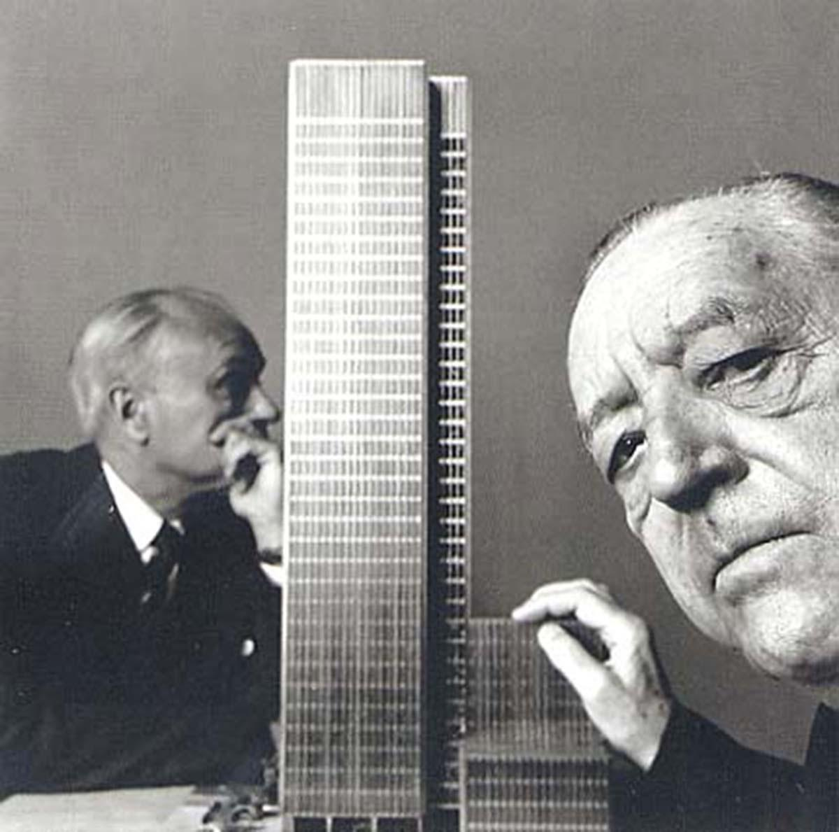 Hervorragend Mies Van Der Rohe With A Model Of The Seagram Building, New York, 1958